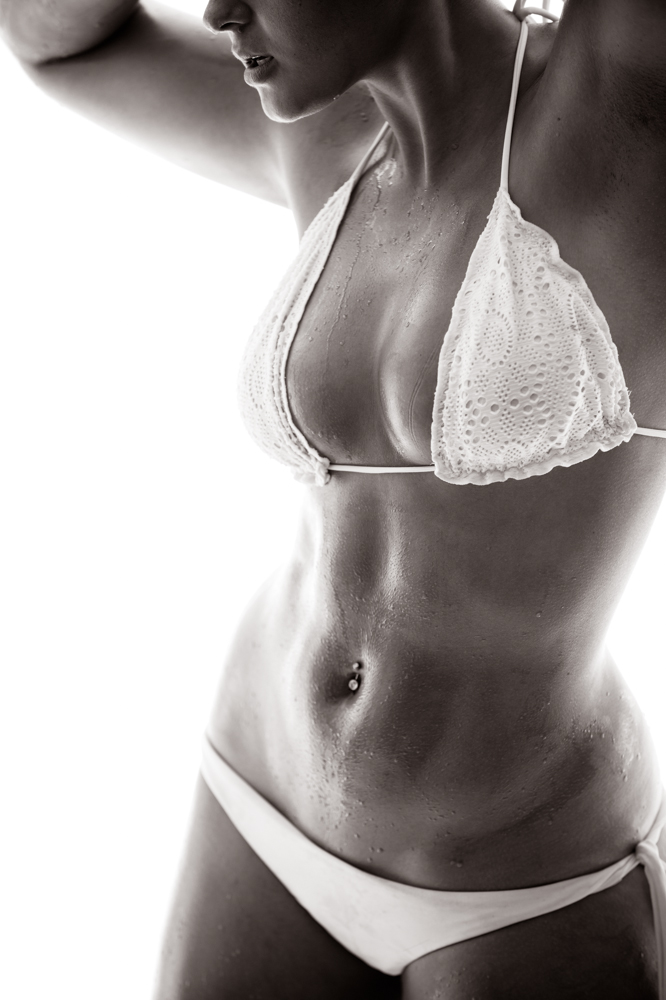 Stefania Ferrario fit, grunge, underwater and nude (NSFW