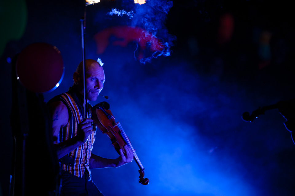 Performers: Strings on Fire. Photographer: Brett Sargeant, D-eye Photography